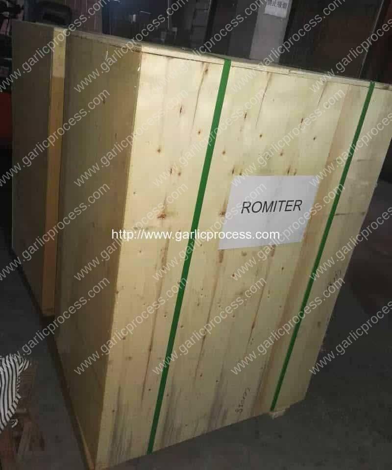 Pneumatic-Garlic-Mesh-Bag-Packing-Machine-for-Australia-Customer