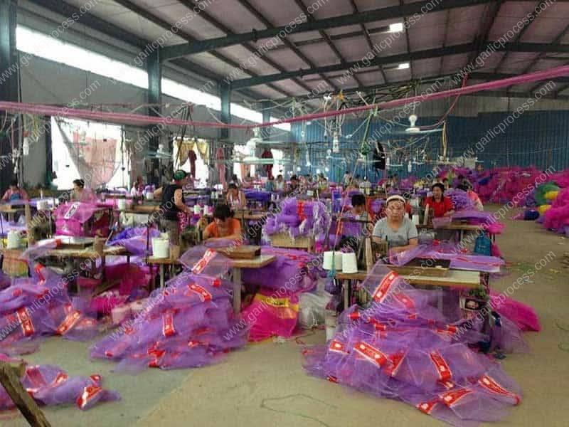 Garlic-Mesh-Bag-Making-Weaving-Factory
