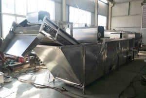 Automatic-Garlic-Skin-Removing-Machine-for-Water-Type-Garlic-Peeling