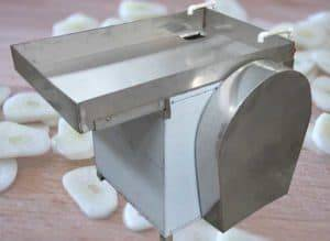 Automatic-Garlic-Slice-Cutting-Machine-with-Water-Feeding